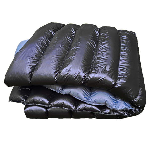 Black & Grey puffy goose down quilt from Arctic Waves